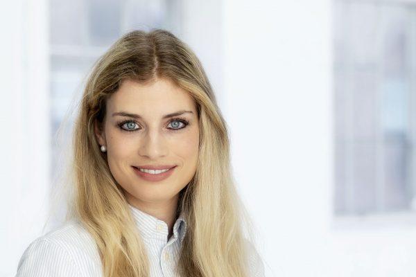 Camilla Landespecialist, Frankrig