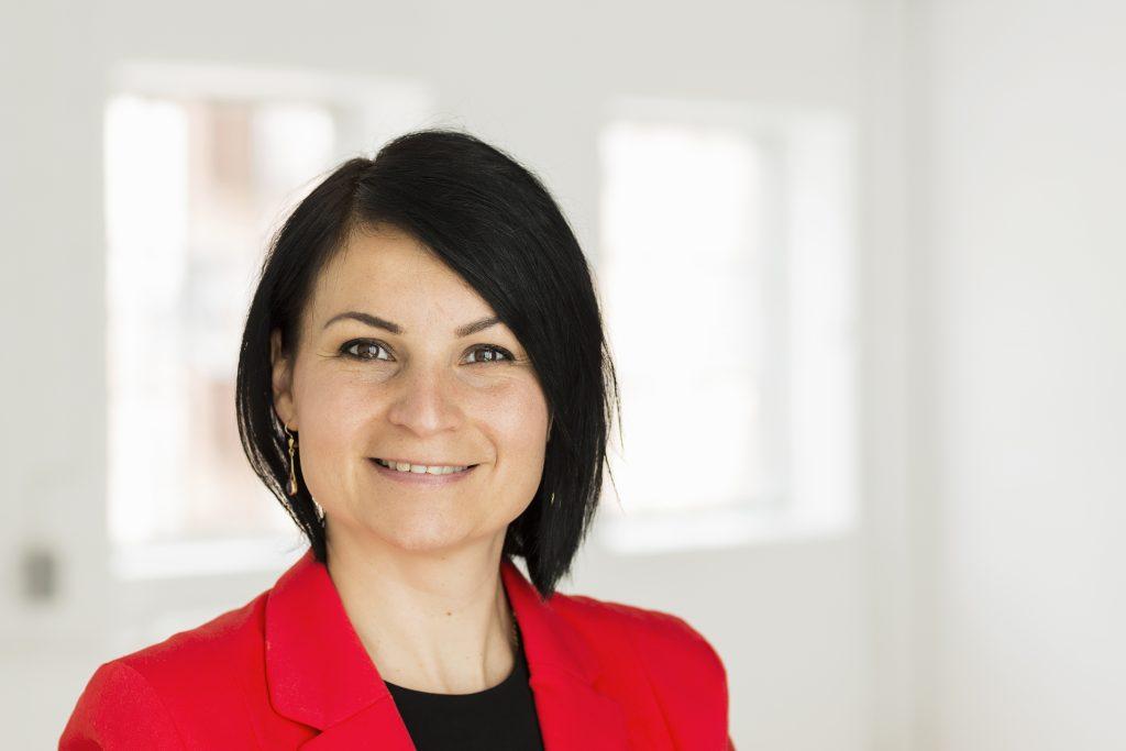 Juliánna Juhl-Johansen Zölde-Fejér Landespecialist, Ungarn